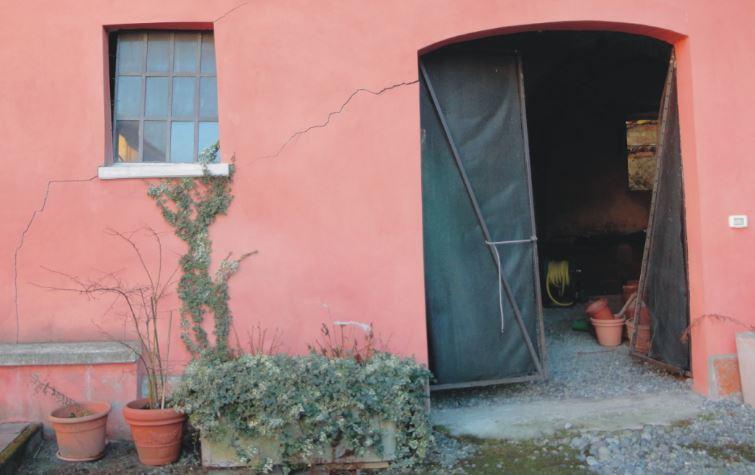 Crepa su muro portante systab - Crepe nei muri interni pericolose ...
