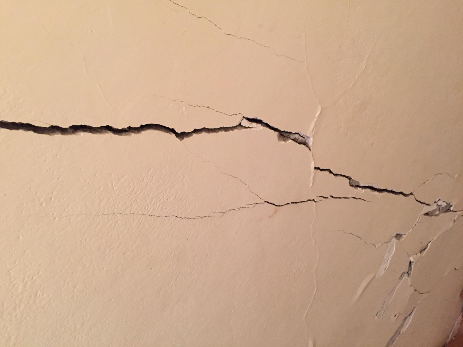 crepa su muro portante interno