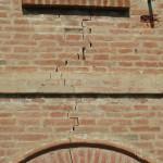 Crepe nei muri a Bologna: soluzioni al consolidamento