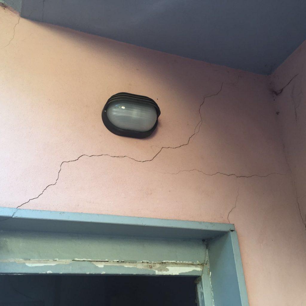 Crepe nei muri pericolose: come capire quando intervenire
