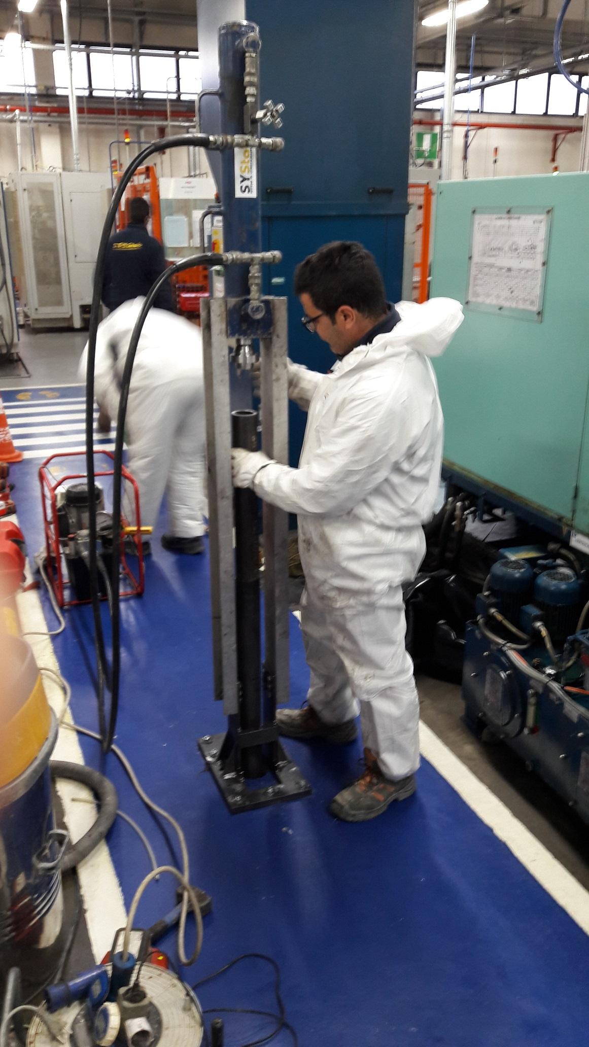 martinetto idraulico per infissione palo precaricato