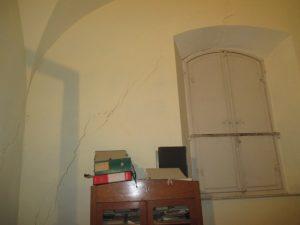 Come rimuovere crepe nei muri