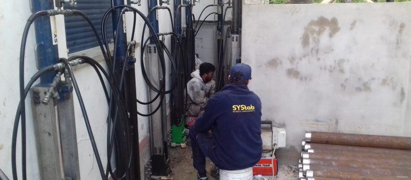 Sollevamento fondazioni edifici tramite martinetti idraulici