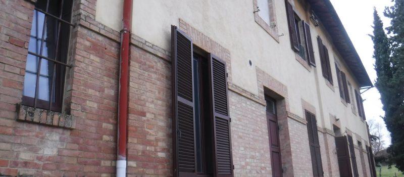 Consolidamento fondazioni scuola a Siena