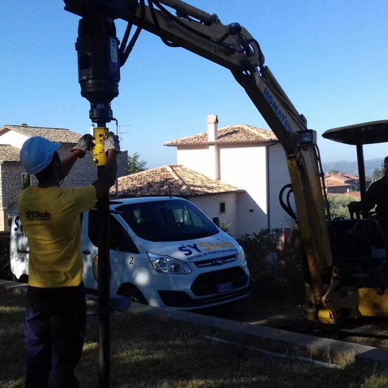Palo Elika per il consolidamento delle fondamenta